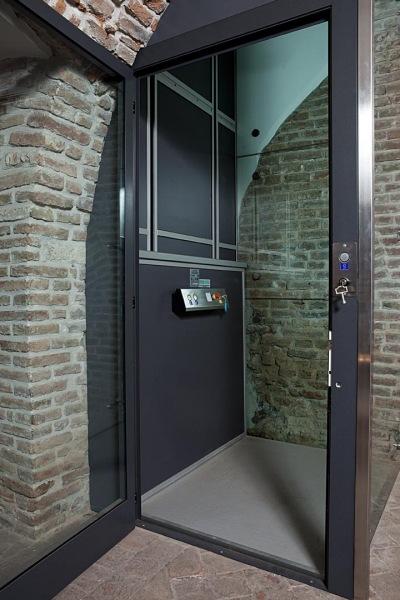 Miniascensore minisirio ascensori per disabili - Ascensori per interni ...